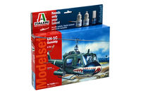 Bell UH-1C Gunship Model Set - Image 1