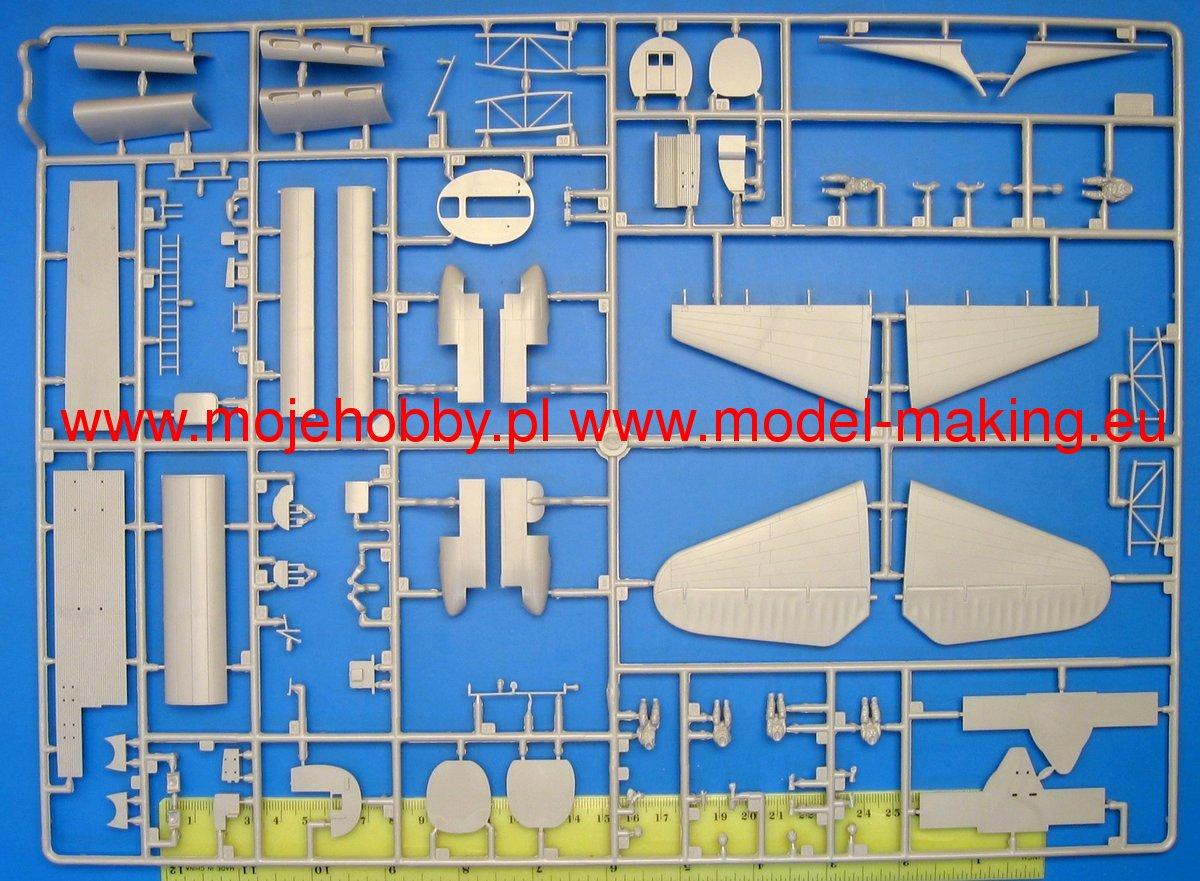 ZVEZDA 7280 Petlyakov Pe8 Sur Staline plane 1//72 scale plastic model kit