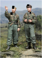 SS Panzer Recon Crew (2 figs) - Image 1